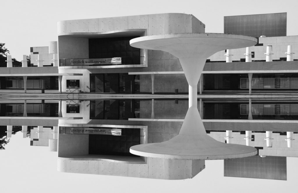Theaterfoyer Darmstadt Upside Down